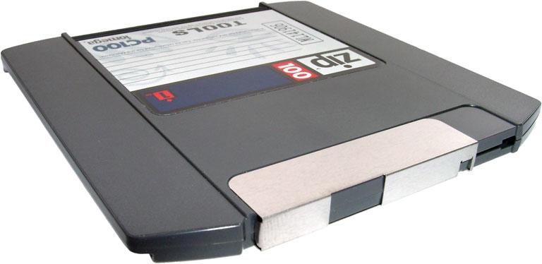 Iomega-100-MB-ZIP-disk
