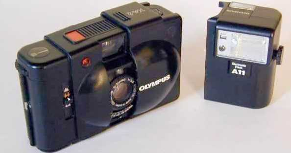 Olympus-xa2-flash